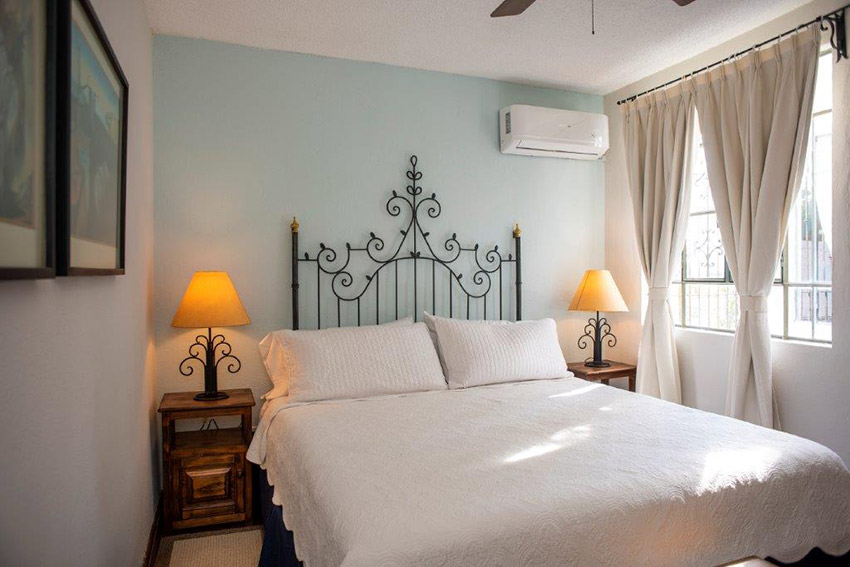 Salvador Dali bedroom