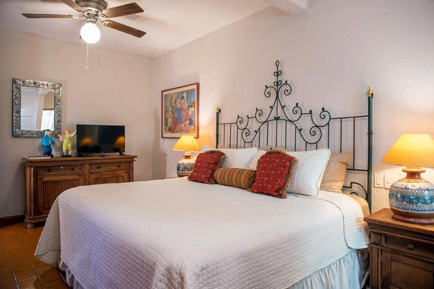Fernando Botero bedroom