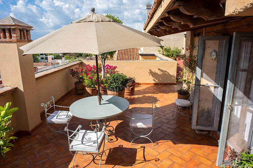 Paul Gauguin terrace