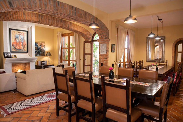 Dining room in Casa Calderoni, bed and breakfast near city center of San Miguel